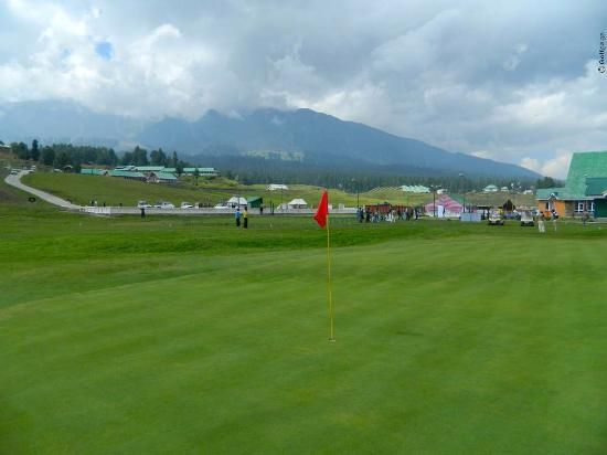 Glorious Gondola and Golf in Gurmarg